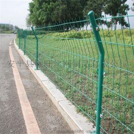 高速公路隔离网  菱形钢板网护栏 框架隔离栅现货