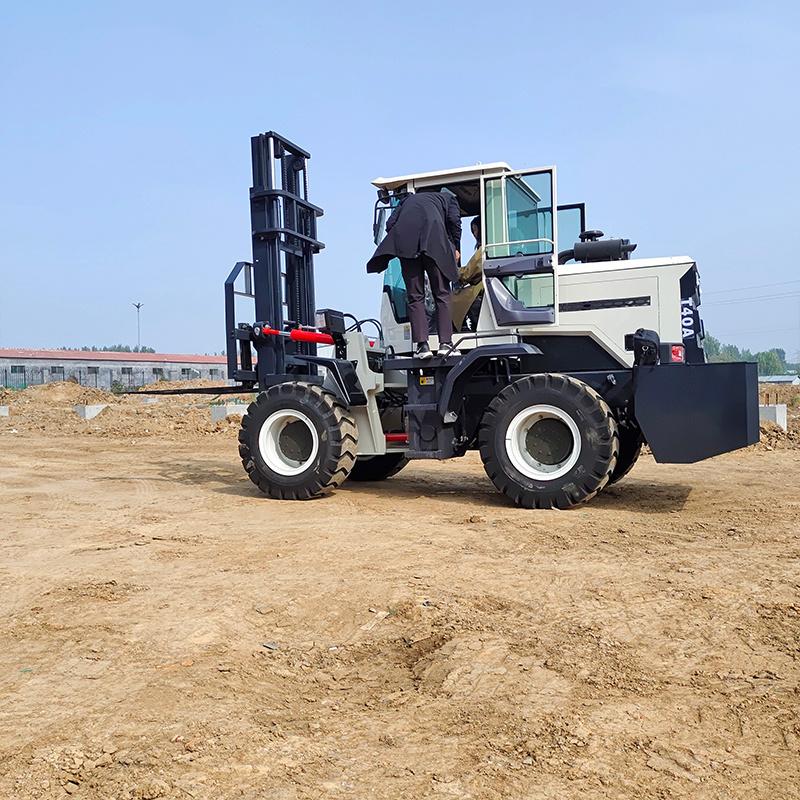 四驅越野叉車廠家 3.5噸柴油叉車 可改裝