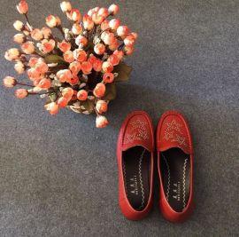 跑江湖地摊中老年女鞋妈妈软布鞋25元模式批发