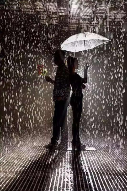 神奇雨屋 浪漫雨不湿身哦