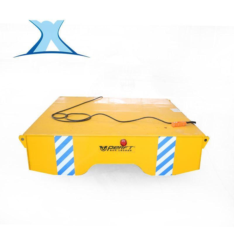 停车场设备生产车间运输用具平板车 遥控拖电缆供电电动地爬平车