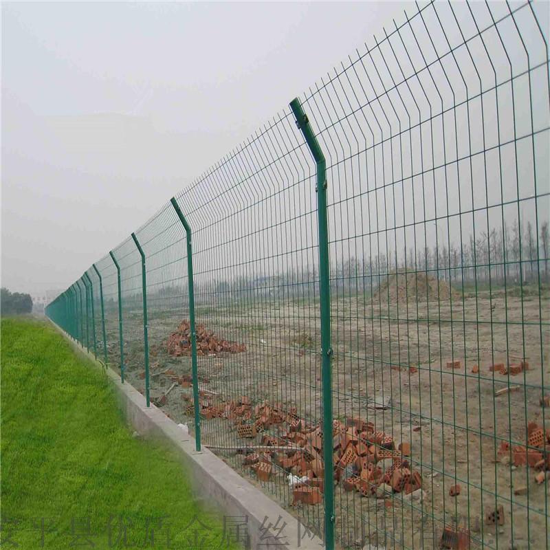 浸塑圈地围栏网 高速钢丝围栏网 公路护栏