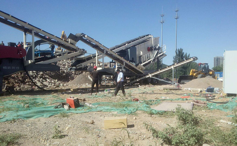 北京建筑垃圾再生利用设备 移动式青石破碎机价格