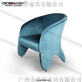 网咖休闲区沙发、配色多样选择,简单时尚美
