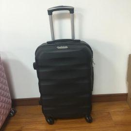新款厂家直销5806行李箱普通锁双轮