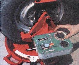 光束水准车轮定位仪(   )