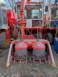 甘南县秸秆青储机 秸秆收获机 图片   产品名称:玉米秸秆青贮机棉花秸秆回收机 近年来,因农民焚烧秸秆而导致的空气污染与交通事故不断发生,如何有效回收利用秸秆成