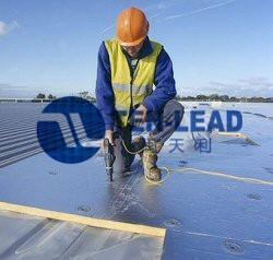钢结构屋顶隔热材料效果对比(酚醛泡沫、玻璃棉、泡棉)