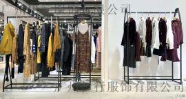 帕佳妮哪里有批发尾货折扣女装 杭州批发尾货大衣浅蓝色风衣