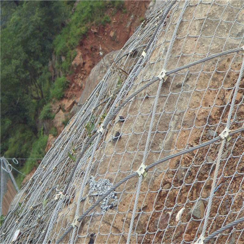 山东编织钢丝绳网 边坡防护结构 山坡防护网