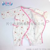 给小孩穿件好衣服真得很重要,新生儿纯棉纱布哈衣给宝宝全身心的呵护