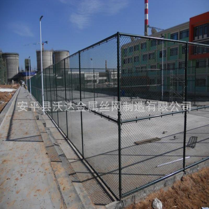 优质pvc球场围网篮球场防护网包塑勾花网围栏现货供应 可定制