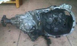 雷诺梅甘娜汽车配件及拆车发动机