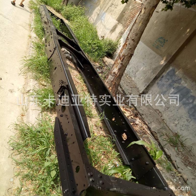 解放J6奥威车架大梁解放J6大梁大架子解放J6铁架子 原厂锰钢钢板