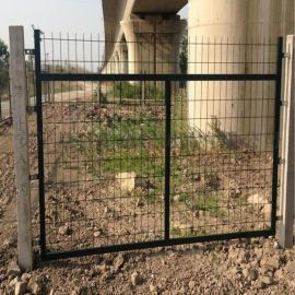 围墙护栏厂家-高速公路防护栏-铁路护栏网