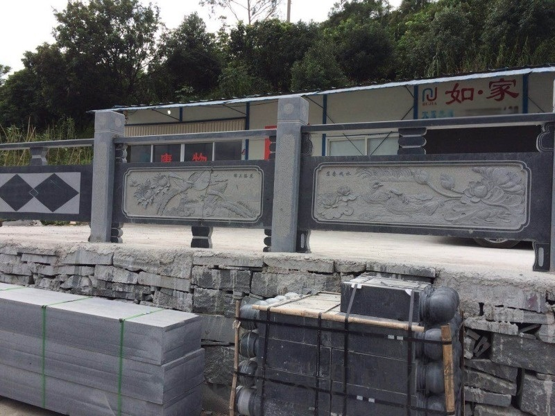 芝麻黑花崗岩石欄杆廠家 福建石雕石欄杆定做