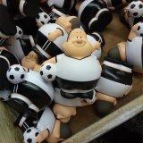 PU发泡玩具球 兴宏发礼品玩具小足球 异形发泡玩具挂件