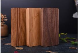 高档商务礼品木质移动电源 8000毫安聚合物电芯厂家定制logo