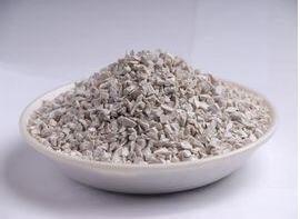 供应莫来石可用于定型不定性耐火材料,卫生洁具胚体,精密铸造用电熔莫来石,烧结莫来石