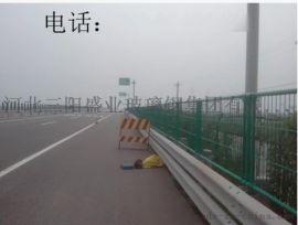 公路护栏网/带边框护栏/金属围栏网/高速路隔离栅