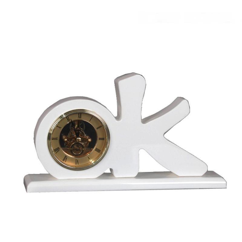 OK字母白色牛骨角金屬歐式鐘錶擺件客廳個性創意桌面臺式現代簡約
