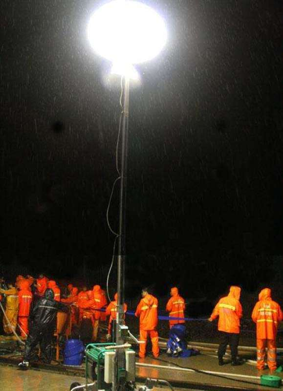 隆业供应全方位移动照明灯维修