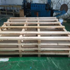 深圳出口木箱包装金属边真空包装木箱公司