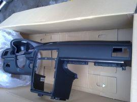 供应奔驰B200仪表台