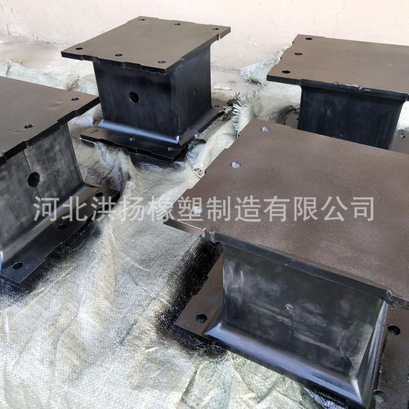 生產定製 鋼板式橡膠防震墊塊 夾鋼板橡膠減震墊塊 規格齊全
