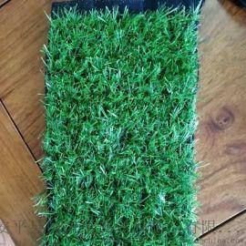热卖新款草坪    铺装楼台草坪