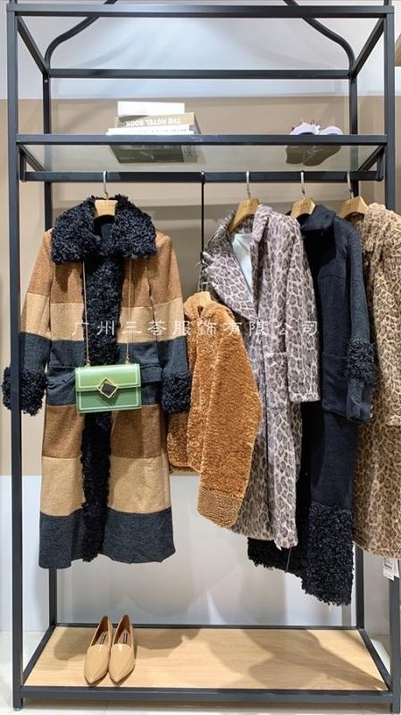 欧货羽绒服女装库存尾货女装货源打包走份设计师品牌
