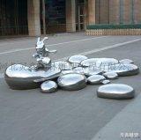 不锈钢兔子雕塑