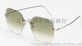 各种款式时尚太阳眼镜