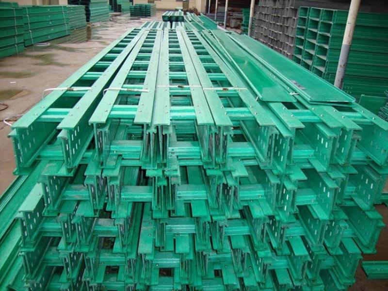 封闭式电缆桥架 玻璃钢绝缘电缆桥架 霈凯
