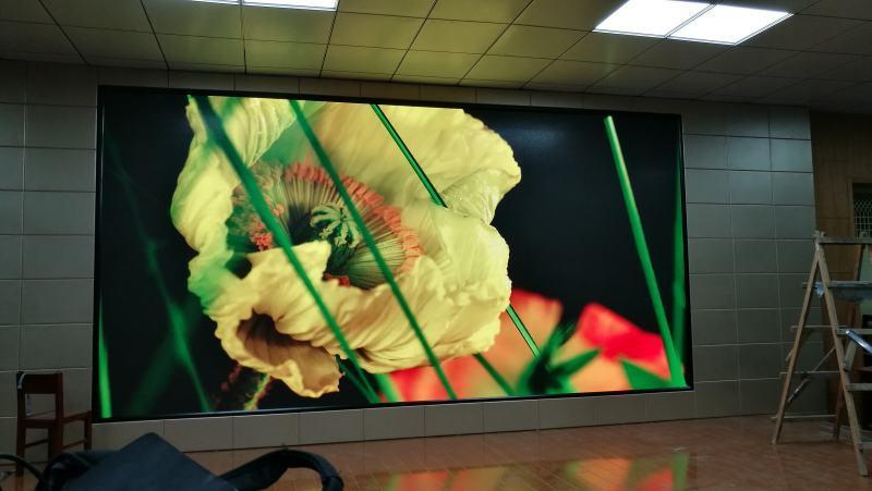 150寸LED显示屏,P2.5显示屏多少钱一平米