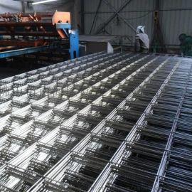 广东河源,工地用碰焊网,桃型柱护栏,PVC围栏