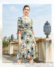 服装店怎么拿货摆放圣朗丹圆领系带公主裙