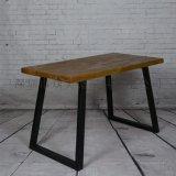 小龍蝦餐廳做舊實木餐桌復古工業風餐桌椅定做廠家