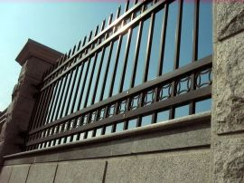 佛山    厂家生产热镀锌锌钢护栏 围墙护栏 小区护栏
