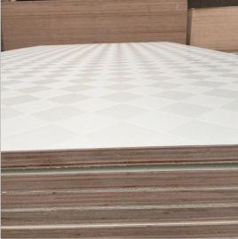 维尼熊板材1220*2440桉木芯多层免漆橱柜板