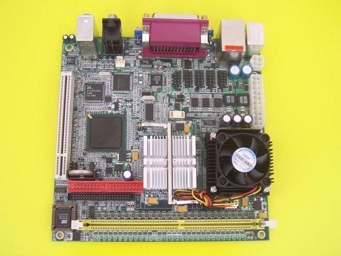 嵌入式852GM ITX主机板 (4COM, 6USB, LVDS, TV OUT)