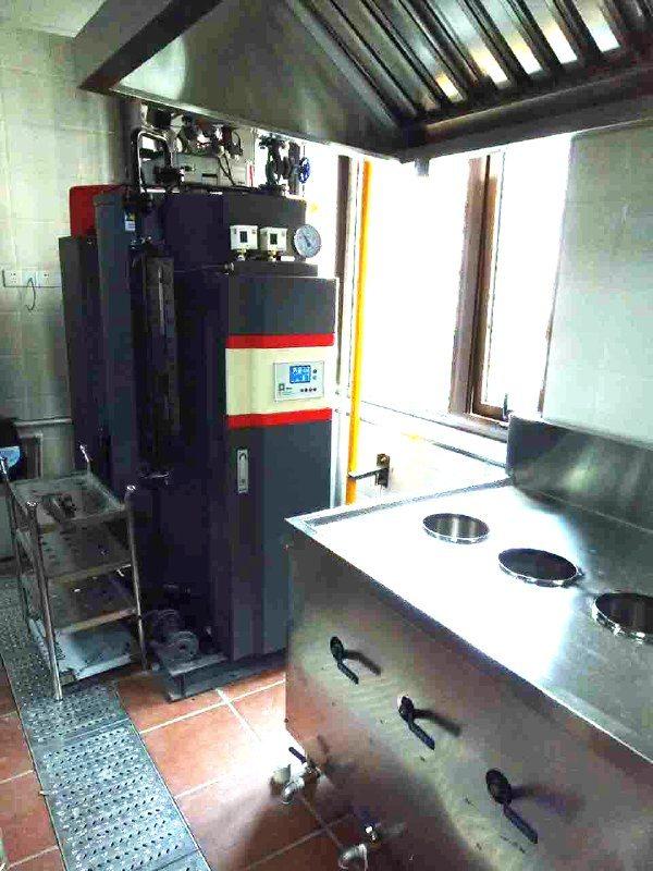 蘭州九記餐飲蒸包子用250kg燃氣蒸汽鍋爐,免年檢燃氣蒸汽發生器