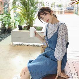 秋水伊人品牌女装批发厂家直销折扣 女装品牌  店加盟尾货银色风衣