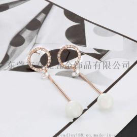 怎样根据肤色选择适合自己的不锈钢耳环
