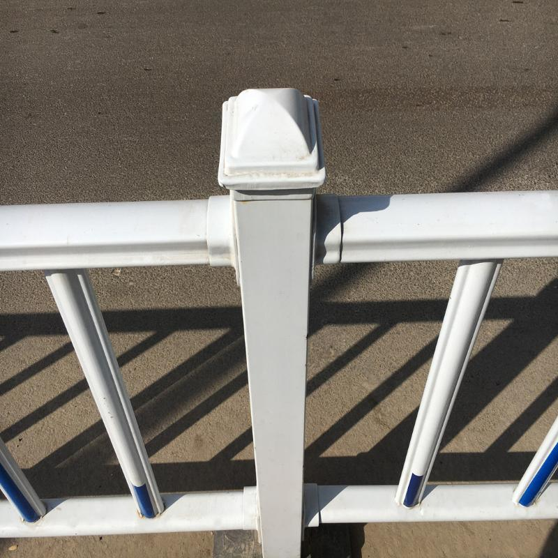 厂家现货锌钢道路防撞护栏 市政交通防护栏杆 防锈公路栅栏定制