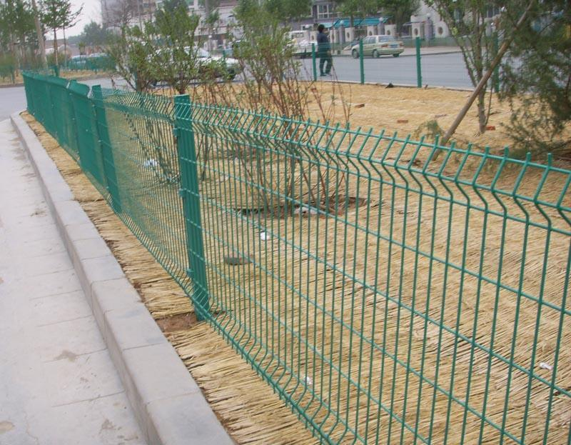 護欄鐵絲網 鐵柵欄圍牆 鐵絲網圍欄
