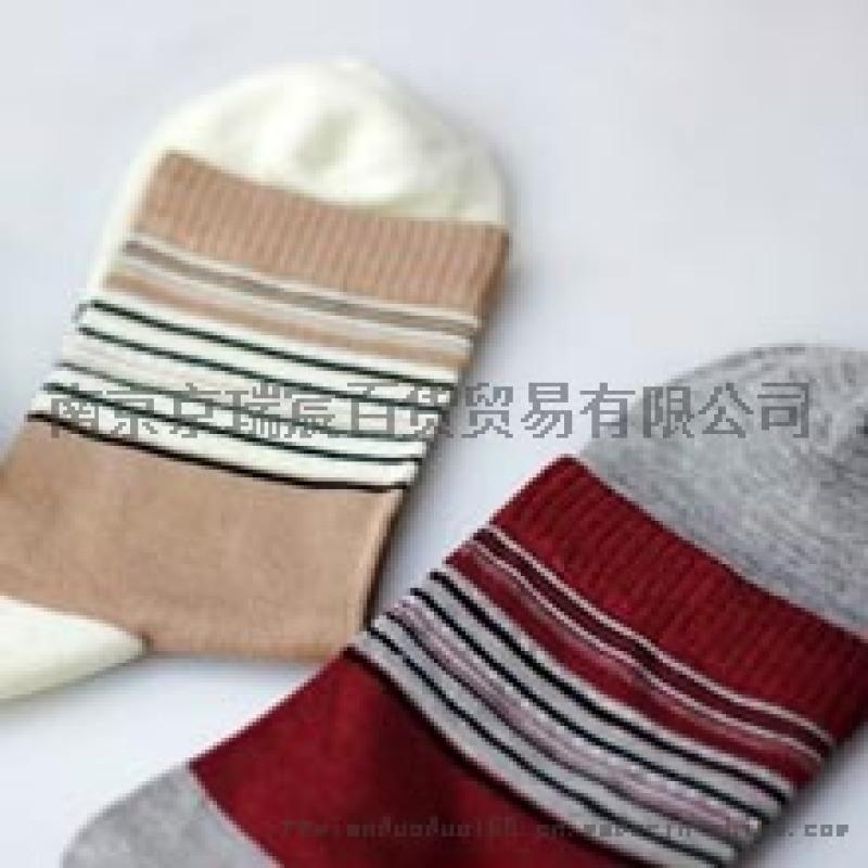棉多多袜业加盟打造时尚好品质袜子