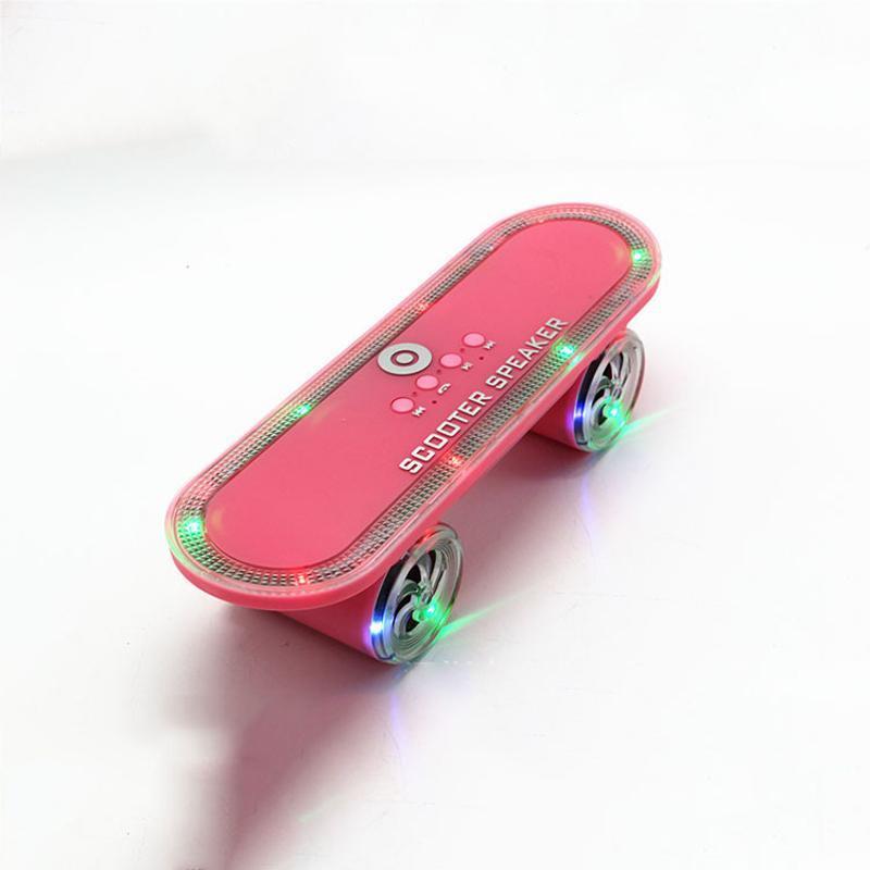 滑板蓝牙音箱七彩灯小钢炮双喇叭无线迷你音响带灯低音炮创意礼品