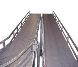 带式输送机 传送带 爬坡输送设备 倾斜传送设备