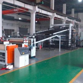 PVC同质透芯塑胶地板革生产线